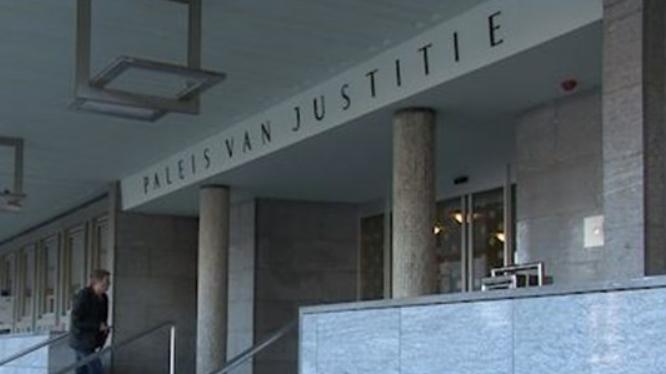 Hongaren loodsen meisje prostitutie in Eindhoven binnen